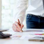 ETF(上場投資信託)と投資信託の違い。どっちがよい?メリット・デメリットを解説